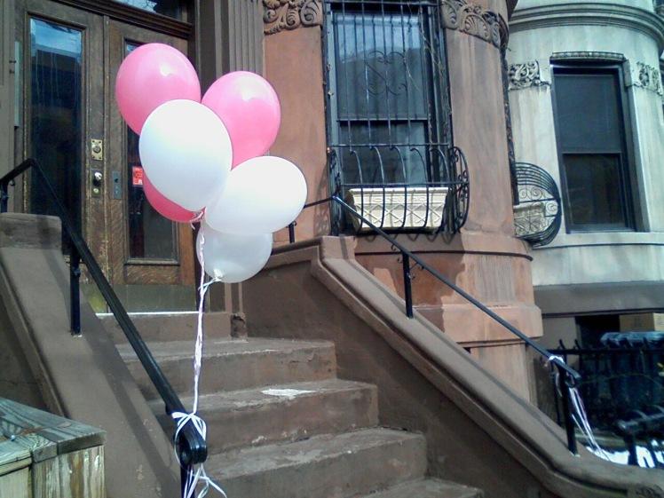 balloons at stoop