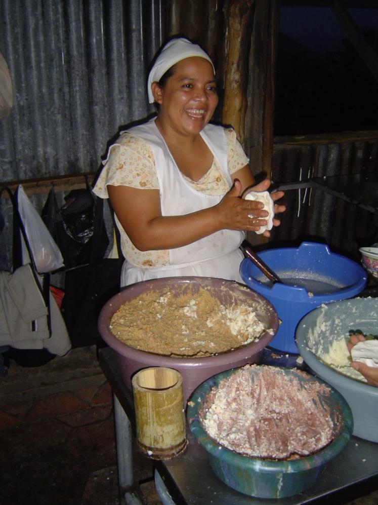 making pupusas 4