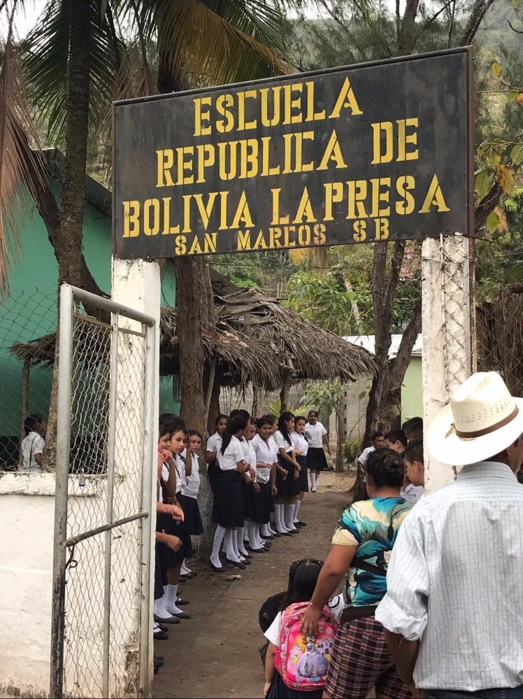 honduras- Escuela Republica De Bolivia La Presa