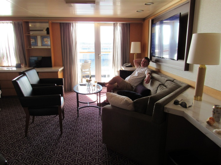 Neptune Suite sitting area MS Oosterdam